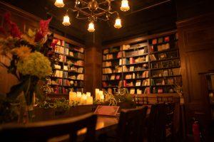 秋葉原和堂書棚